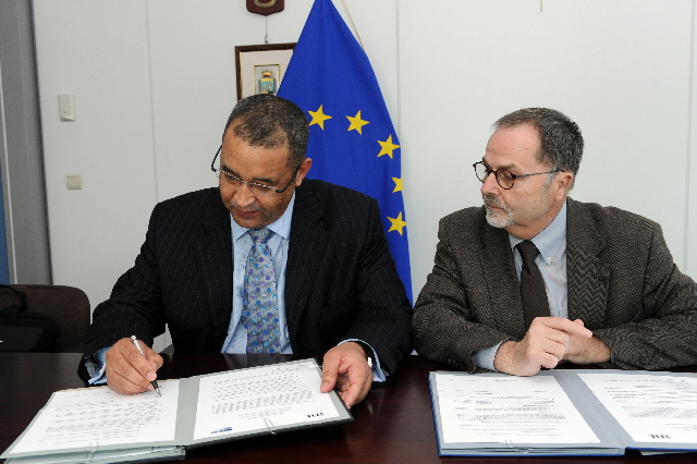 Signature of a co-operation agreement between the OLAF and the World Bank