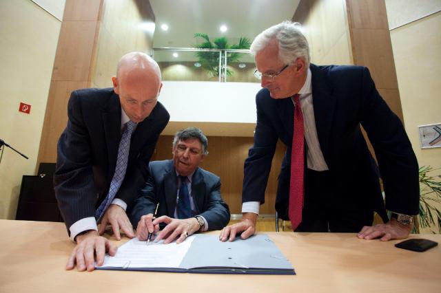 Signature d'un protocole d'accord sur l'accès aux publications pour les lecteurs dyslexiques ou malvoyants