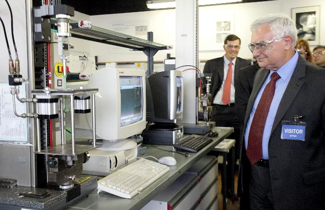Participation of John Dalli at the activities organised on the occasion of the 2001 Food Safety Day