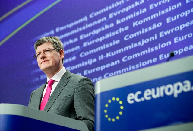 Press conference by László Andor, Member of the EC, on the annual review of Employment and Social Developments in Europe