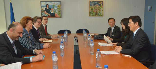 Visit of Du Yubo, Chinese Vice-Minister for Education, to the EC