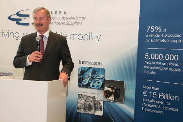 Participation of Siim Kallas, Vice-President of the EC, at the public road safety demonstrations organised in Brussels by CLEPA