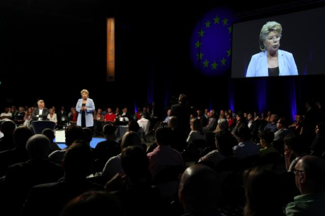 Citizens' Dialogue in Esch-sur-Alzette with Viviane Reding