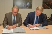 Signature ceremony of the letters of intent to cement the cooperation between the EC and the EBU in the neighbouring countries of the EU