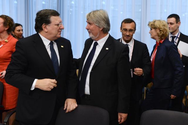 Participation of José Manuel Barroso, President of the EC, and László Andor, Member of the EC, in the Tripartite Social Summit