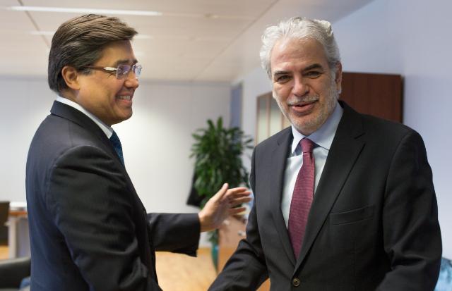 Visite de Juan José Gómez Camacho, chef de la mission du Mexique auprès de l'UE, à la CE