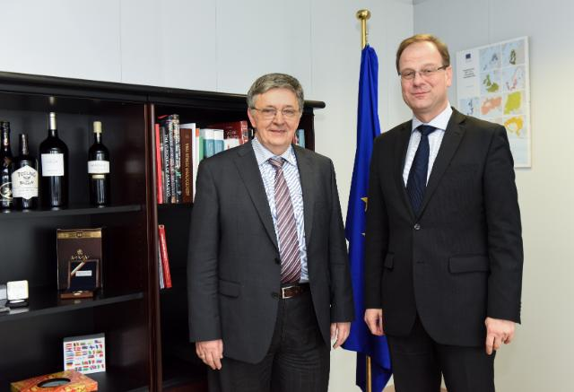 Visit of László Lovász, President of the Hungarian Academy of Sciences, to the EC