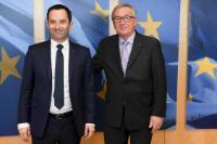 Visite de Benoît Hamon, élu candidat du Parti socialiste à l'élection présidentielle française de 2017, à la CE