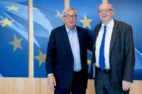 Visit of Gaston Reinesch, Governor of the Banque centrale du Luxembourg, to the EC