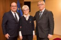 Participation de Jean-Claude Juncker, président de la CE, à l'attribution de l'Ordre national du mérite à Bernadette Ségol, secrétaire générale de la Confédération européenne des syndicats (CES)