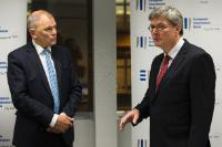 Participation of Vytenis Andriukaitis, Member of the EC, at the ceremony of the German biotech EGFF/EFSI signature