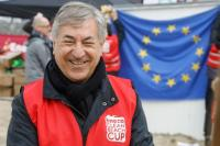 Participation de Karmenu Vella, membre de la CE, au nettoyage des plages Eneco Clean Beach Cup
