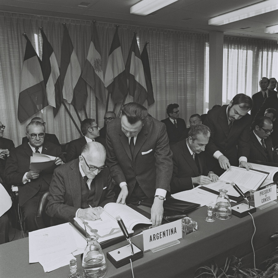 Signing of a commercial agreement between the EC and Argentina