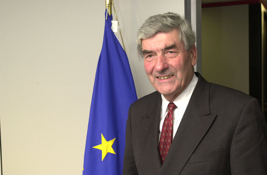 Visit of Ruud Lubbers, UN High Commissioner for Refugees, to the EC