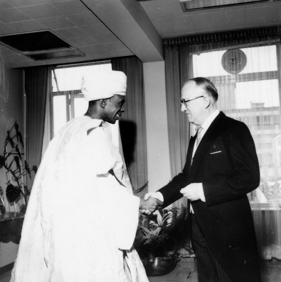 Presentation of the credentials of the Head of the Mission of Mauritania to  Walter Hallstein, President of the Commission of the EEC