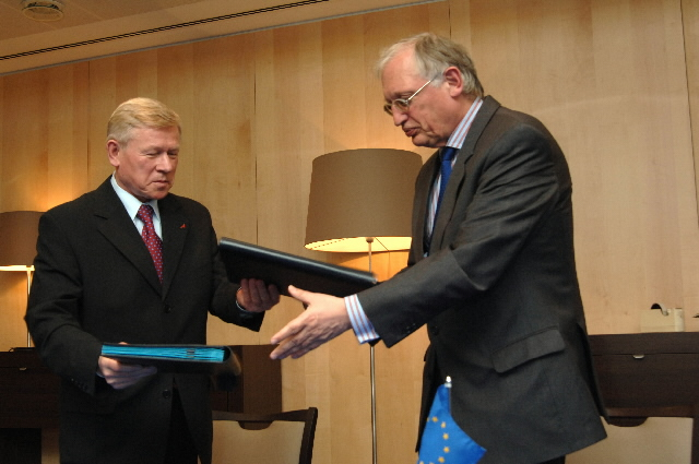Signature of the Terms of Reference for the EU/Russia Space cooperation