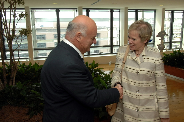 Visit by Ingibjörg Sólrún Gísladóttir, Icelandic Minister for Foreign Affairs and External Trade, to the EC