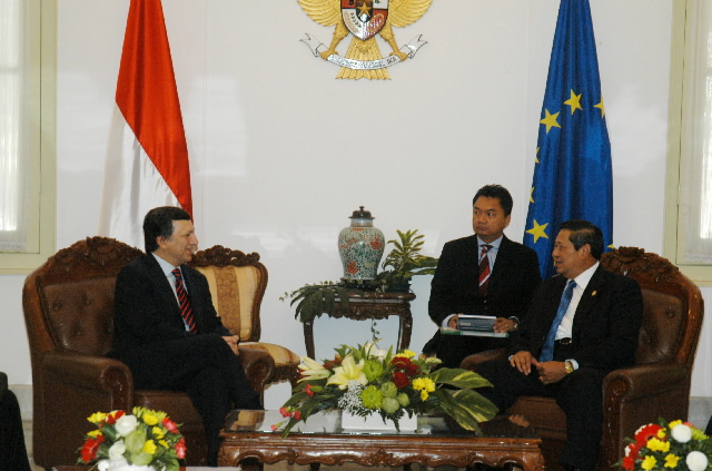 Visit by José Manuel Barroso, President of the EC, to Indonesia