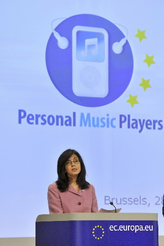 Press conference by Meglena Kuneva, Member of the EC, on the measures to limit risks from exposure to noise from personal music players