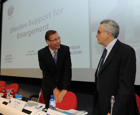 Conference on Effective Support for Enlargement.