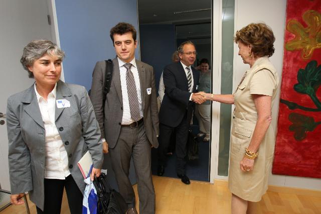 Visite d'une délégation de l'Union européenne de radio-télévision (UER), à la CE