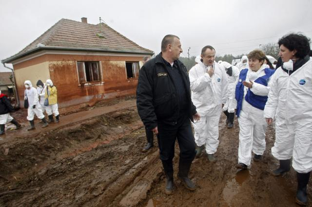 Visit of Kristalina Georgieva, Member of the EC, in the regions hit by the pollution caused by the break of a sludge depository in the city of Ajka, in Hungary