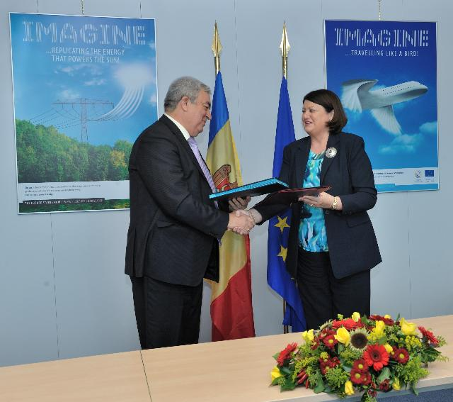 Signature of a Memorandum of Understanding on the association of Moldova to the Framework Programme for Research and Technological Development