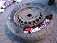 SLOVENIA: Smuggled cigarettes hidden in tyres, 2012