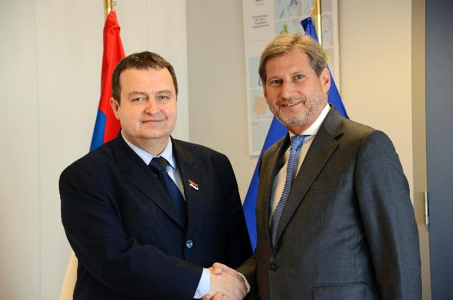 Looking ahead : Serbia's Prime Minister discusses medium term planning for Regional  Policy with Commissioner Hahn