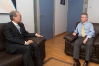 Visite de Bark Taeho, ministre sud-coréen du Commerce, à la CE