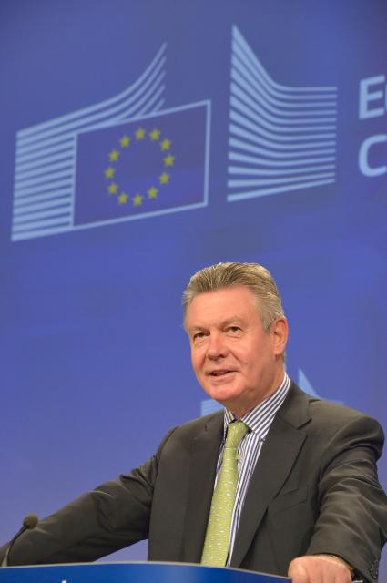 Press conference by Karel De Gucht, Member of the EC, on the amicable solution in the EU/China solar panels case