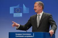 Press conference by Sim Kallas, Vice-President of the EC, on use of electronic devices on board of planes
