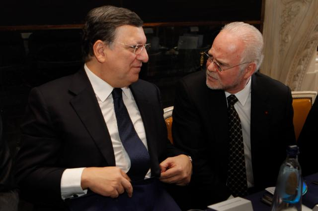 Participation of José Manuel Barroso, President of the EC, in a lunch organised by the World Trade Center's Association of Brussels