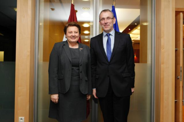 Visite of Laimdota Straujuma, Latvian Prime Minister, and Maija Manika, Latvian Deputy State Secretary for European Affairs, to the EC