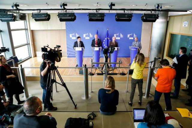 Joint press conference by Štefan Füle, Member of the EC, Ramón Luis Valcárcel Siso, President of the CoR, and Volodymyr Groysman, Ukrainian Vice-Prime Minister, to the EC