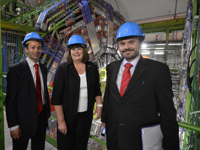 Visit by Máire Geoghegan-Quinn, Member of the EC, to the CERN