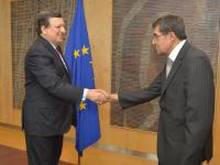 "Illustration of ""Presentation of the credentials of the new Heads of Mission to José Manuel Barroso, President of the EC"""