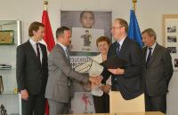 "Illustration of ""Signing of the EU Children of Peace Initiative by Austria"""