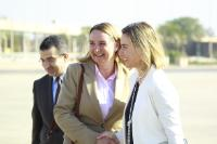 Handshake between Federica Mogherini, on the right, and Jana Hybášková, in the centre