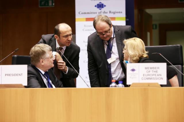 Participation de Corina Creţu, membre de la CE, à la 116e session plénière du CdR