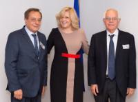 Visite de Pierre Ménat, expert associé chez Lysios et ancien ambassadeur français, à la CE