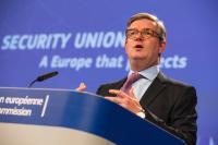 Conférence de presse de Julian King, membre de la CE, sur le progrès achevé vers une union de la sécurité