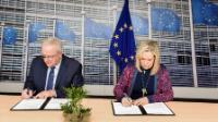 Participation de Neven Mimica, membre de la CE, à la cérémonie de signature d'un accord de financement avec le FMI