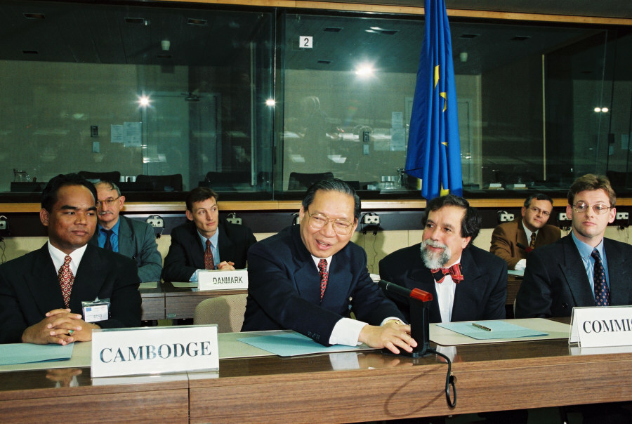 Initialing of a framework agreement between the EC and Cambodia