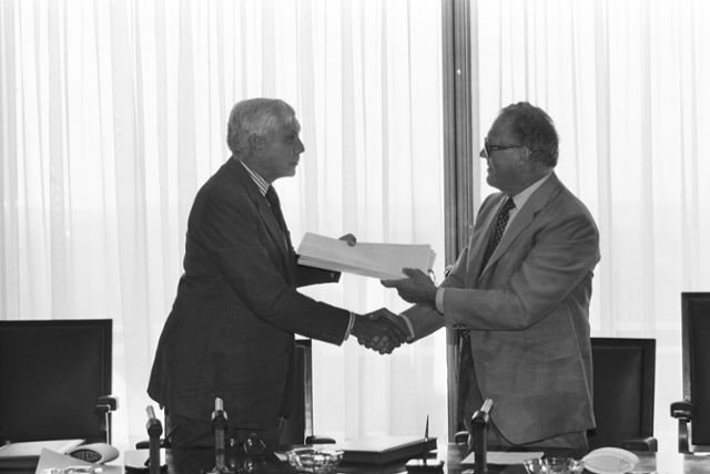 Signing of an agreement between the Euratom and Australia