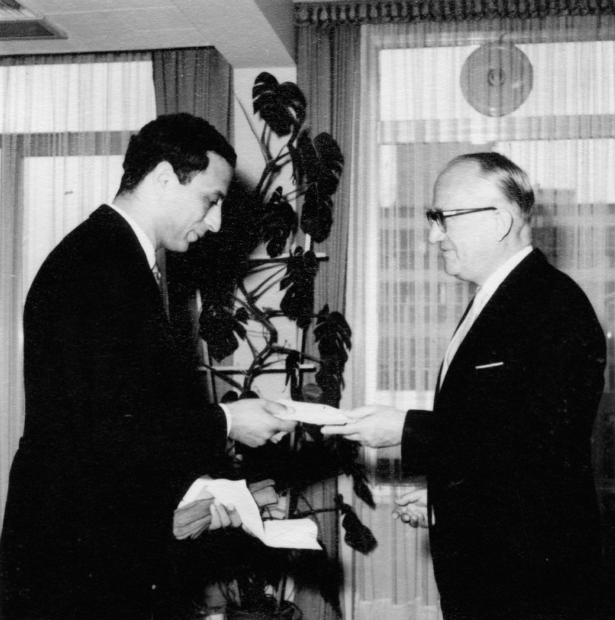Presentation of the credentials of the Head of the Mission of Morocco to Walter Hallstein, President of the Commission of the EEC