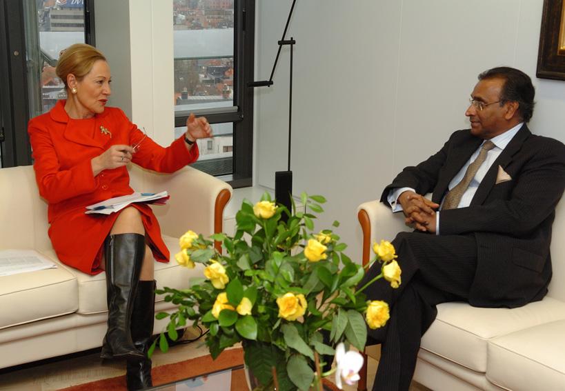 Visite de Jayantha Dhanapala, conseiller auprès du président du Sri Lanka et secrétaire général du Secrétariat pour la coordination du processus de paix, à la CE