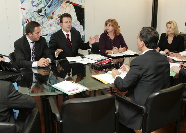 Visite de Sokol Olldashi, ministre albanais de l'Intérieur, à la CE