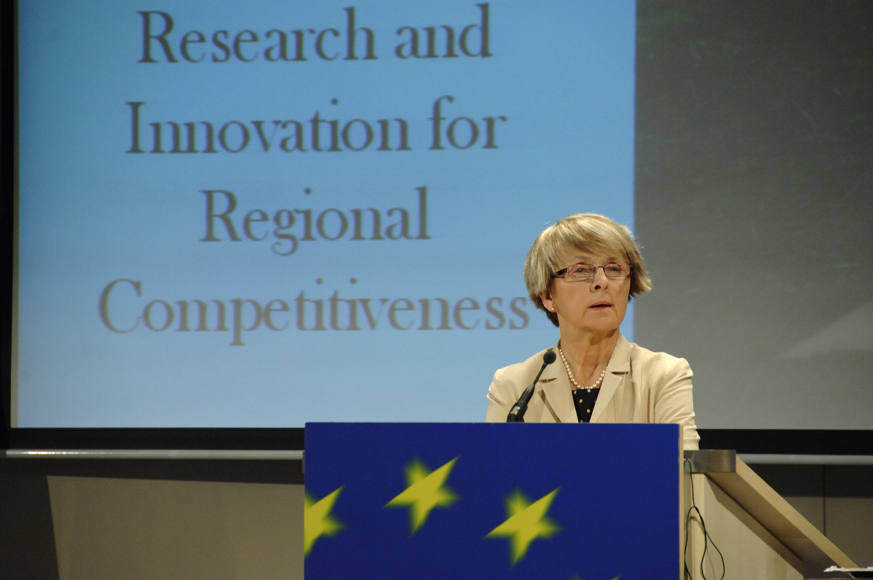 Press conference by Danuta Hübner and Janez Potocnik on the