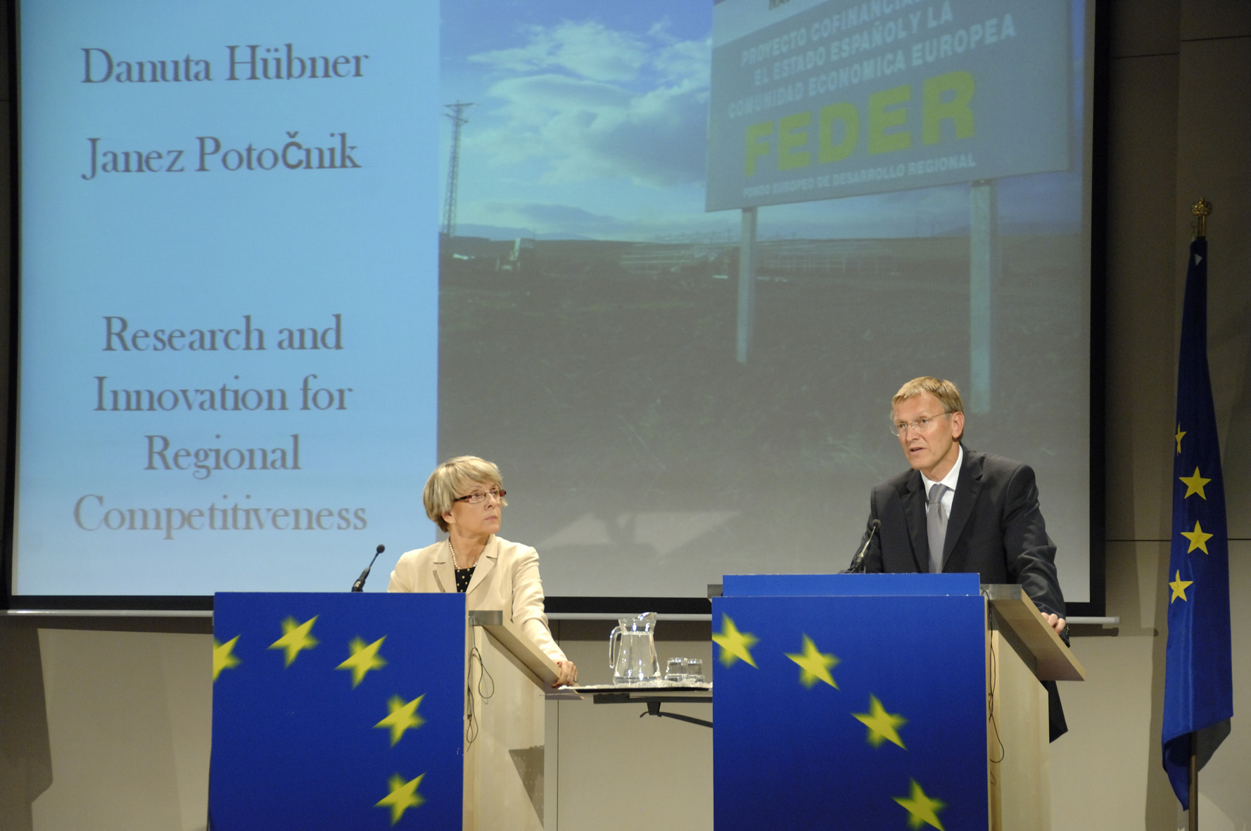 Press conference by Danuta Hübner and Janez Potocnik on the European regions that are competitive through research and innovation